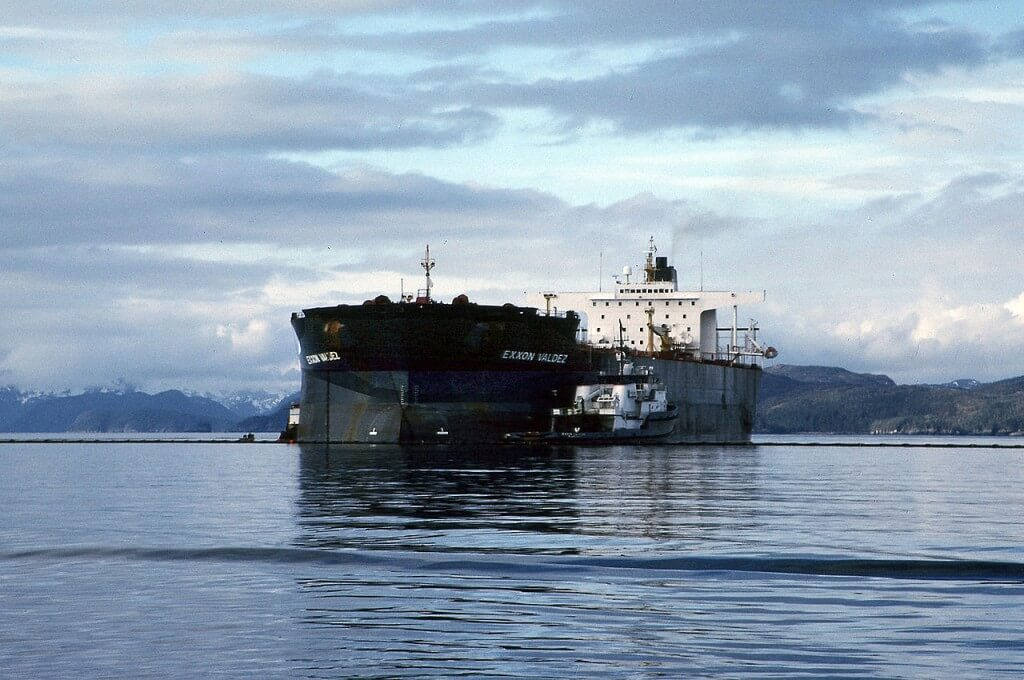 Image of the tanker Exxon Valdez.